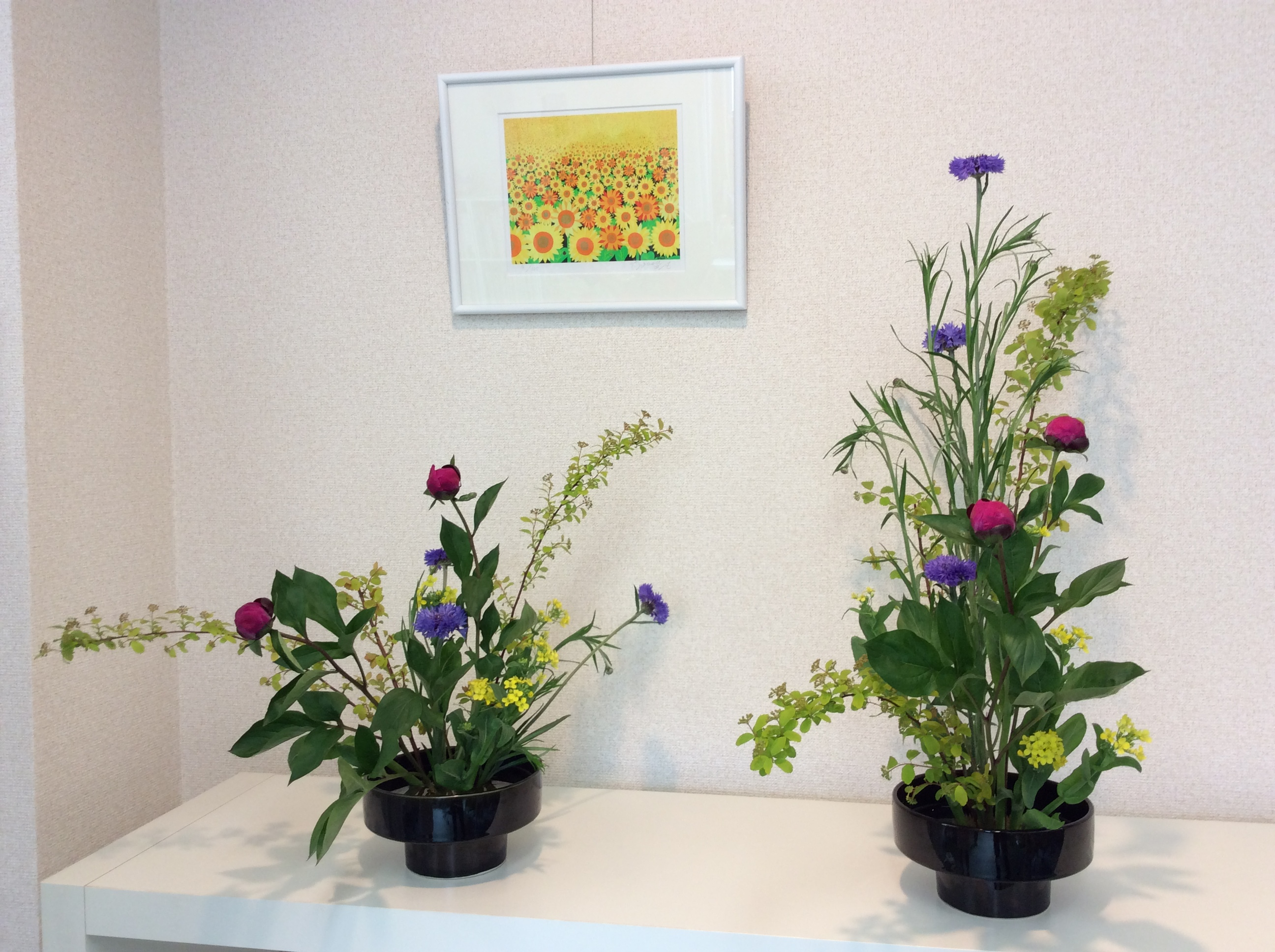 芍薬と矢車菊