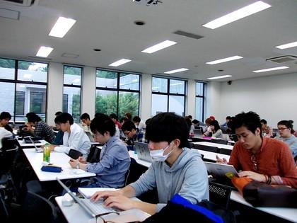 大学生の受講風景
