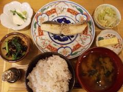 ニシクボ食堂の焼き魚定食