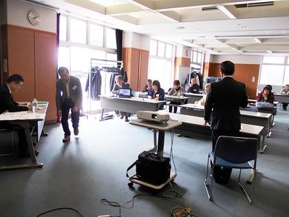 2015多摩市コミュ起業塾最終日発表風景