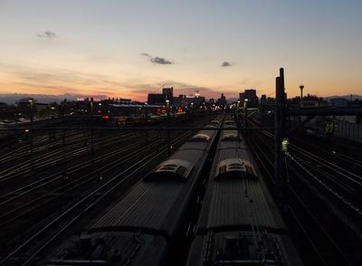 140102夕日の三鷹電車区