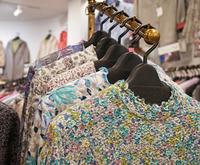 80歳からのおしゃれ。東京都高齢者洋服・下着・専門店・スラックス・シニア・女性
