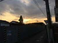 17時ぴったり頃の八王子横川町夕景