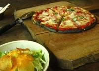 深沢小屋でピザを楽しむ♪