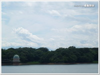 曇り空の多摩湖(東大和市)