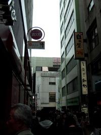 吉祥寺駅の駅ビルターミナルエコー。順調に取壊し中〜! 2011/05/07 13:36:08
