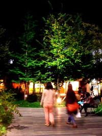 吉祥寺コピスの屋上庭園! 2011/04/22 05:56:51