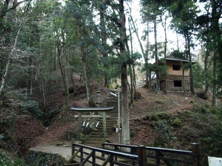 石船山龍蔵神社 全景