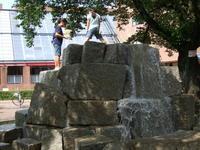 国立 市民劇場前の噴水