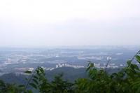 初日の出、初詣で人気の高尾山。ケーブルカーは終夜運転 2013/12/31 09:23:40