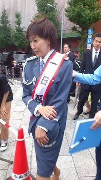 女優高島礼子さんの一日警察署長交通安全パレード