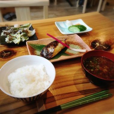 担ぎ屋さんのサワラの西京焼き定食byノワイエ