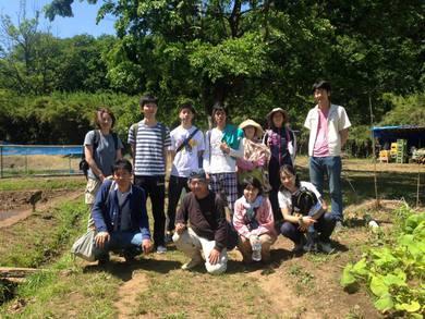 若い人の集いの場になっている ユギムラ牧場