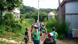 小学校の3年生がユギムラ牧場に 社会科見学