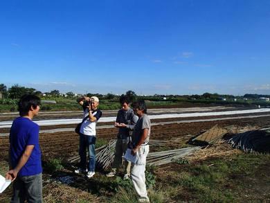 多摩信用金庫の「多摩・ラビ」の新規就農者の取材です
