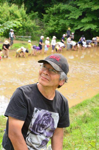 写真家の島峰さんが フェスブックに田植えの映像