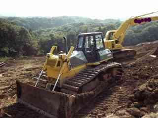 違法残土の中に廃棄物を混ぜて残土の埋め立て