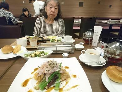 初めての病後のレストランに出かけました。
