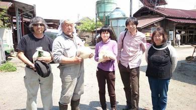 田中さんは右から二人目の方です。
