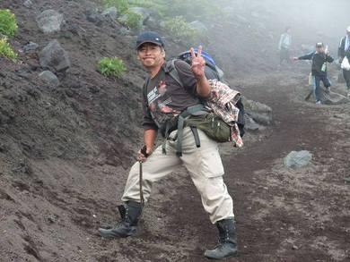 病後の富士山登頂登山です。靴は消防団で使っていた半長靴でした