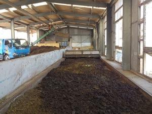 牛糞堆肥を作る 施設機械が故障してしまいました