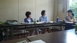 八王子市内のNPO障害福祉施設6法人の 研修会を館町市民センターでやっていました。