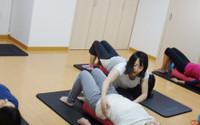 腰痛をケアする、ピラティス、ジャイロキネシスの運動メカニズム♪