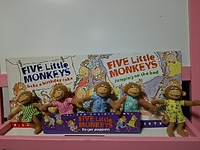 Five Little Monkeys 指人形* 見つけました!