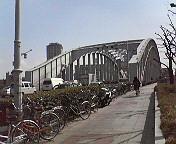 これは、橋の★=