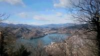 嵐山から小仏城山、高尾山を歩いてきました。2017年1月。