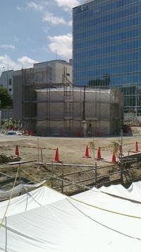 調布駅地上に新たな構造物
