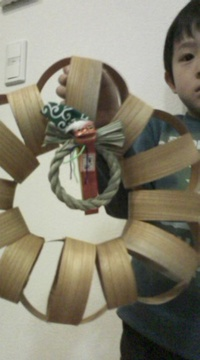 クリスマスリースにもお正月しめ縄飾り的な併用も!