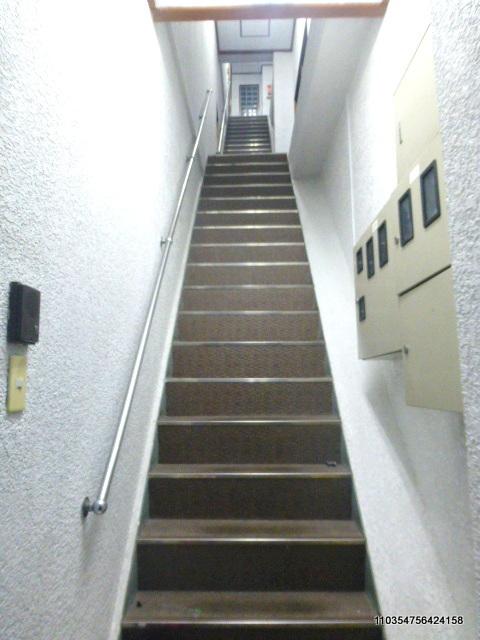 田倉ビル階段