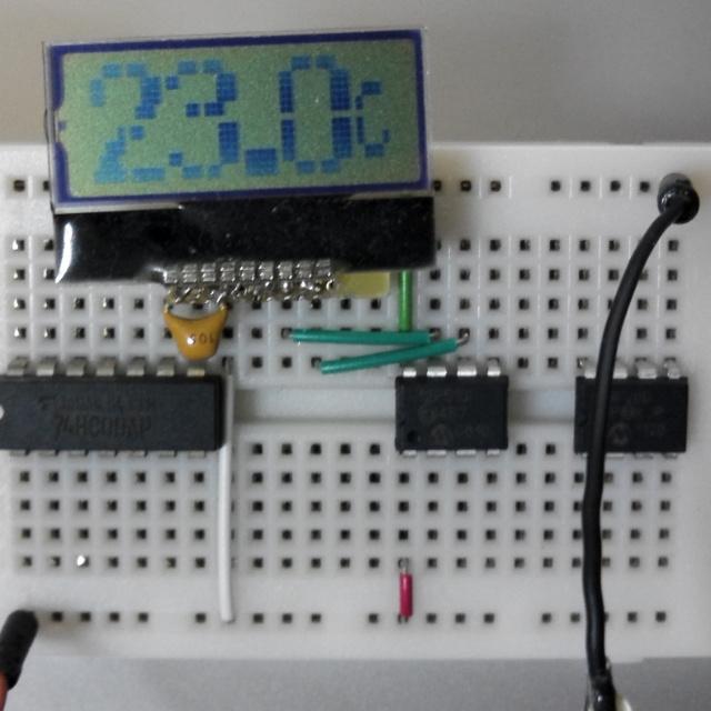 12F510でI2C液晶が動いた